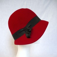 LINDA French Vintage Red Cherry Wool Felt Cloche Hat by bOmode