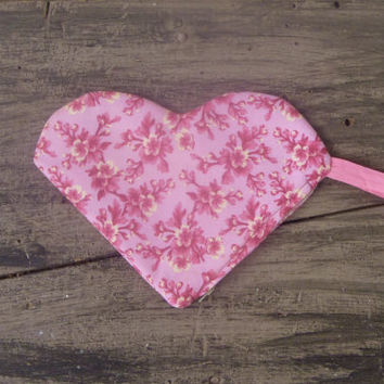 Fabric Floral Heart Shaped Zipper Pouch