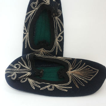 Vintage Bulgarian Handmade Folk Embroidery Natural Wool Felt Slippers, Part Of Traditional Folk Costume.Handmade slippers.EU-37,UK-4,US-6.5