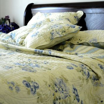 DaDa Bedding Camellia Classic Floral Spring Pale Yellow & Blue Reversible Striped Back Quilted Coverlet Bedspread Set (DXJ101491)