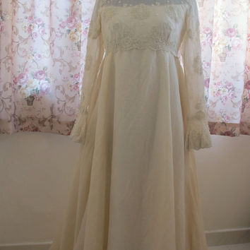 Edwardian Vintage Wedding Dress Gown off white with lace and beads