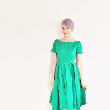 bright emerald green 1950 cocktail dress . mid century holiday party wear .small