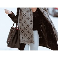 LV winter tide brand female models plus velvet warm cashmere scarf