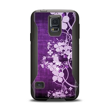 The Dark Purple with Sketched Floral Pattern Samsung Galaxy S5 Otterbox Commuter Case Skin Set