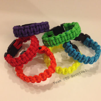 Custom Bright Solid Colored Standard 550 Paracord Survival Bracelet