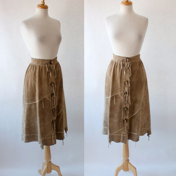 Vintage 70s High Waist Fringe Suede Skirt / Hippie Boho Fashion
