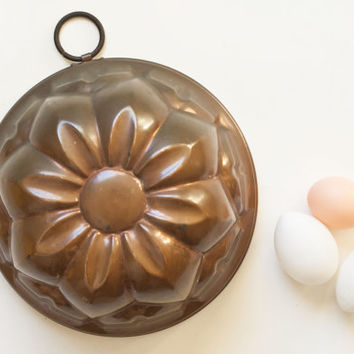 Vintage Large Copper Mold, Flower Shape Jello Mold Dessert Form, French Country Wall Decor Baking Pan