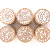 6-piece Vintage Lace Pattern Mini Round Wooden Rubber Stamp Set