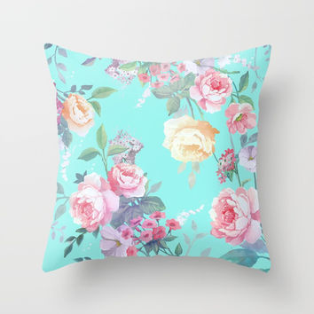 Floral pattern Throw Pillow by printapix