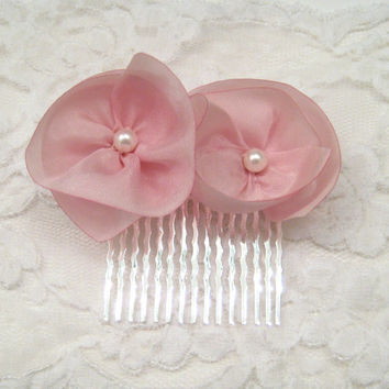 Pink flower bridal comb, pink wedding hair comb, silk flowers, bridesmaid accessory, bridesmaid hair, wedding hair flowers, outdoor wedding