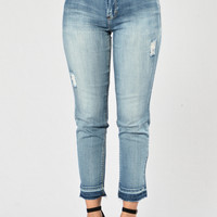 Making My Way Downtown Jeans - Medium Blue