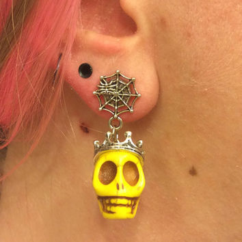 1/2 7/16 00g 0g 2g 4g 1 PAIR Yellow Plugs Halloween Día de Muertos Day Of The Dead - Carved Howlite Sugar Skull Plugs