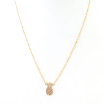Pineapple Paradise Pendant Necklace In Gold