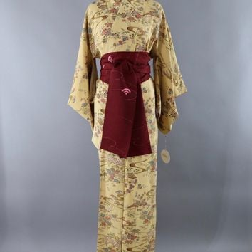 Vintage Silk Kimono Robe / Tan Village Novelty Print