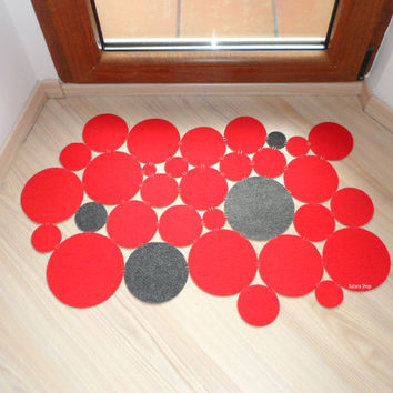 Modern and cool floor mat. Intruders dots. Custom your doormat.