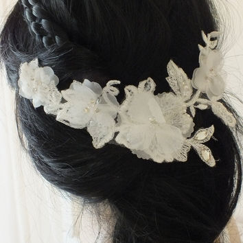 FREE SHIP bridal lace headpiece - bridal hair comb - Floral 3D Flowers bridal lace haircomb - bridal headpiece - wedding -