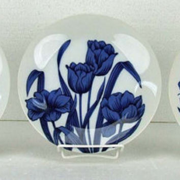Vintage Blues Day Three Different Blue White Tulip Iris Day Tiger Lilly Plates Taste Setter Sigma Japan Gail Levites 8 Inch ATCTTEAM