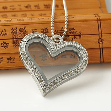 Fashion Elegant Love Heart Half Crystal Rhinestone Charm Living Memory Floating Locket Pendant Necklace Beat Gift (Size: 50 cm, Color: Silver) = 1958117956