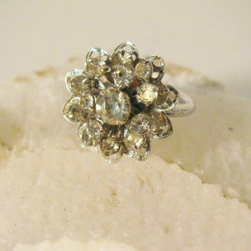 Rhinestone Flower Ring Sarah Coventry silver by colorsoulartistry