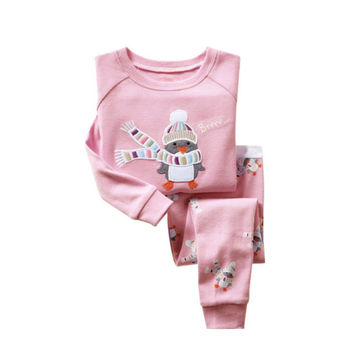 2016 latest Girls Pajamas Children Penguin Cartoon Christmas Pijamas Kids Clothing Sets Baby Sleepwear nightwear home wear