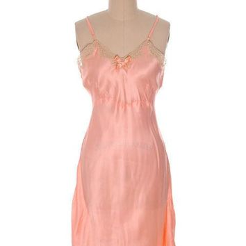Lovely Vintage Lingerie Peach Rayon Satin Full Slip Bias Cut Never Worn 1940s 38