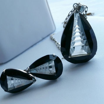 Art Deco Black and Clear Pagoda Reverse Carved Necklace and Screwback Earrings - Jewelry Set Costume Jewelry