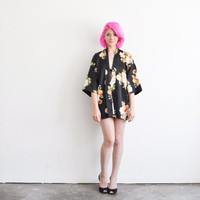 short floral kimono robe . traditional asian dressing gown .small.medium