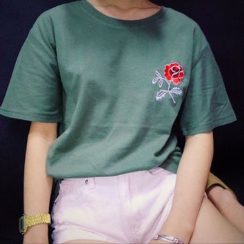 2016 Summer New Fashion Army Green Embroidered Flower Rose Halajaku Casual Short Sleeve Female T-shirt