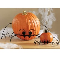 Halloween Bat-Shaped Wrought Iron Pumpkin Stand