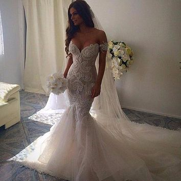 Romantic Beautiful Mermaid Wedding Dresses Sweetheart Backless Lace Embroidery Vestido De Noiva White Sexy Bridal Gowns 2016