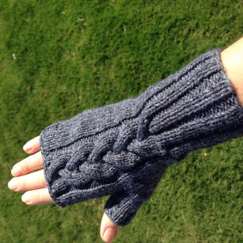 Hand Knitted Fingerless Mittens Gloves Women Size S-M Gray color Merino Wool Winter accessories gift for her