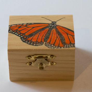 Butterfly jewelry box, Butterfly ring box, Tooth fairy box, Butterfly treasure box, Butterfly keepsake box, trinket box, Monarch butterfly