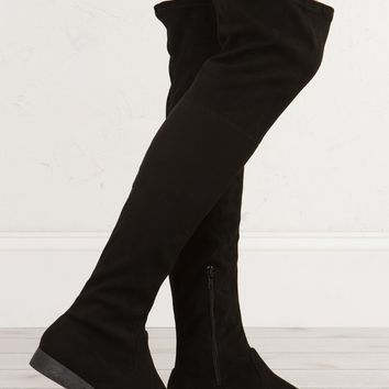 Essential Tall Boots For The Fall