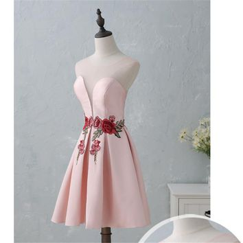 Pink Green Red Embroidery Mini Prom Gowns Neck Lace Up Short Party Dresses Custom Made