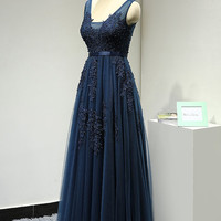Navy Blue Long Backless Evening Dress Tulle Elegant Formal Gown Open Back Prom Dress with Beaded Lace Appliques