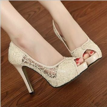 Ladies Sexy Fish Head Bowl Lace Hollow Peeper Toe Wedding Shoes High Heels Platform Pump Women