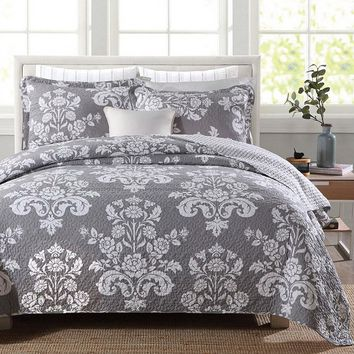 Queen 3-Piece Cotton Quilt Bedspread Set with Grey White Floral Pattern