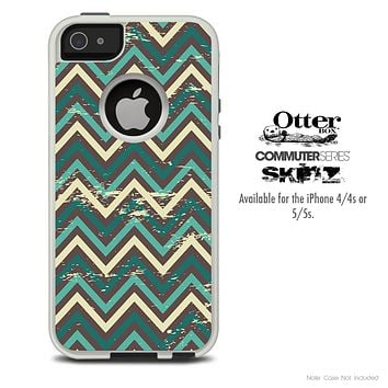 The Vintage Green Chevron Sharp Pattern Skin For The iPhone 4-4s or 5-5s Otterbox Commuter Case