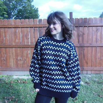 Vintage 1980's oversize sweater. Checkered, oversize, comfy sweater.  90's grunge/hipster/boho
