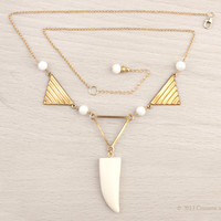 Gold Filled // Geometric Necklace // Tribal Jewelry // Real Bone Claw Pendant // Mother of Pearl //