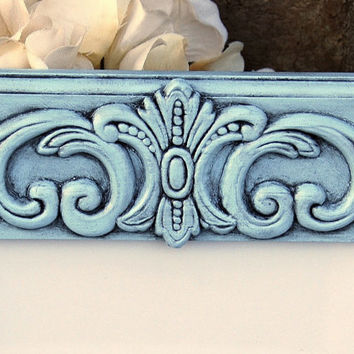 Cottage chic home decor: Ornate pale vintage baby blue 5x7 decorative hand-painted wooden wall collage gallery picture frame