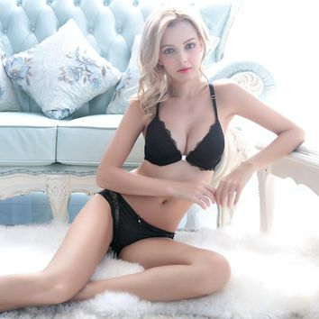 Three quarters cup size women sexy lace underwear deep V gather push up bra set black diamond crystal stainless front buckle lingerie
