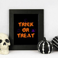 Hallween Printable Decoration - Trick or Treat Poster - Halloween Print - Printable Poster - Halloween Decor - Halloween Party - Wall Art