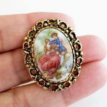 Vintage Courting Couple Porcelain Stone Oval Gold Tone Pin Small Cameo