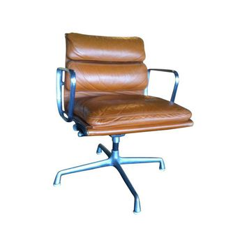 Pre-owned Soft Pad Chair by Eames for Herman Miller