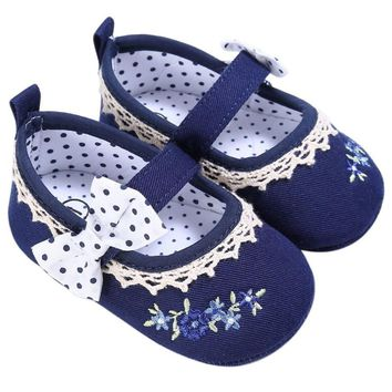 Stylish baby girl navy flower pattern shoes first walkers
