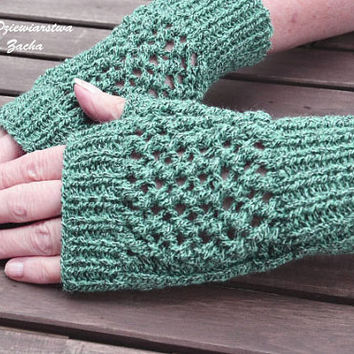 Green  Fingerless Mittens , fingerless gloves in handmade , warmers gloves