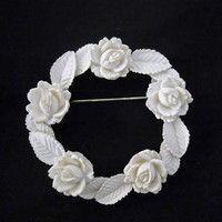 Vintage 1950s White Circle Pin - Featherweights Celluloid Brooch on Original Card