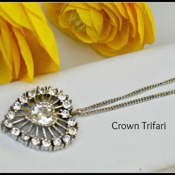 Vintage Crown Trifari Rhinestone Heart necklace