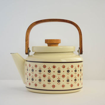 1980's Vintage Cream Floral Enamel Kettle with Wooden Handle - Gailstyn-Sutton